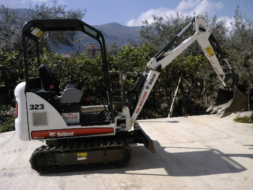 Where to rent EXCAVATOR, 323 BOBCAT W,THUMB in Portland Gresham Milwaukee OR